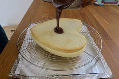 Fondant noix de coco et chocolat   Dans la famille Cuisine, je voudrais... Chiffon Cake, Camembert Cheese, Panna Cotta, Biscuits, Cheesecake, Food And Drink, Menu, Breakfast, Mousse Coco