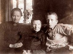 Vincent van Gogh's sister, mother, and nephew.Oh, and he basically looked just like his mom.