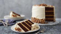 Gâteau à plusieurs étages au chocolat et au caramel salé : voilà le gâteau parfait pour n'importe quelle occasion! Ne laissez pas les plusieurs étages vous faire peur; c'est plus facile que vous le pensez!
