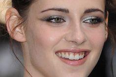 """Inspire-se nos makes de Kristen Stewart para divulgar """"Branca de Neve e o Caçador"""" - CAPRICHA NO MAKE CAPRICHO"""