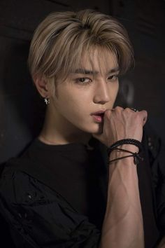 In which Jaehyun has pretty famous fanpage about Taeyong from NCT. But with his talent and skills, Jaehyun becomes a part of the same group as Taeyong, after b. Lee Taeyong, Jaehyun Nct, Nct 127, Baekhyun, K Pop, Nct Debut, Rapper, Day6 Sungjin, Lucas Nct