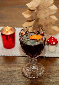 Punch Bowls, Alcoholic Drinks, Wine, Tableware, Food, Mulled Wine, Liquor, Liquor Drinks, Dinnerware