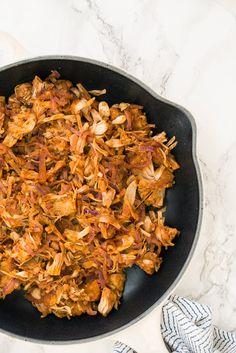 Vegan BBQ Pulled Pork (Jackfruit) with Spiralized Caramelized Onions