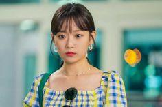 """Recientemente, la actriz Kim Seul Gi habló sobre su personaje en el próximo drama de MBC, """"Love with Flaws"""". """"Love with Flaws"""" es una comedia romántica sobre una mujer que odia a los chicos lindos (Oh Yeon Seo) y de un hombre que está obsesionado con la buena apariencia (Ahn Jae Hyun), quienes aprenden a Oh Yeon Seo, Ahn Jae Hyun, Ode To My Father, Kdrama, Queen Of The Ring, Sea Wallpaper, Mbc Drama, Korean Actors, Korean Dramas"""