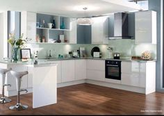 Gloss White Integrated Handle from howdens joinery New Kitchen Doors, Kitchen Dinning Room, Kitchen Family Rooms, Kitchen Layout, Kitchen Design, Kitchen Ideas, Kitchen Tile, Kitchen Reno, Kitchen Inspiration