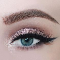 Fashion Beauty Gorgeous Make Up Ins . - Fashion & Beauty Gorgeous makeup inspiration for beautiful blue eyes – Fashion & Beauty - Glitter Eye Makeup, Pink Makeup, Blue Eye Makeup, Beauty Makeup, Hair Makeup, Makeup Eyes, Makeup Style, Egyptian Eye Makeup, Bridal Makeup For Blue Eyes