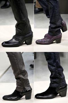 Bottega Veneta is bringing on the man heels for the 2012 fall season...I love it!!!
