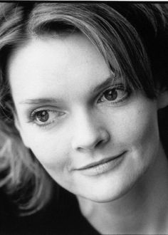 Sharon Small (January British actress, o. known from the detective Inspector Lynley Mysteries. English Actresses, British Actresses, British Actors, Tv Actors, Actors & Actresses, The Inspector Lynley Mysteries, Scottish Actors, Most Beautiful Cities, Best Series