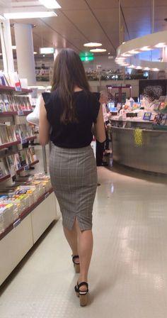 愼 ☼ ριητεrεsτ policies respected.( *`ω´) If you don't like what you see❤, please be kind and just move along. Fitted Skirt, Sexy Skirt, Pencil Skirt Work, Sexy Hips, Tight Dresses, Tight Skirts, One Piece Dress, Skin Tight, Beautiful Legs