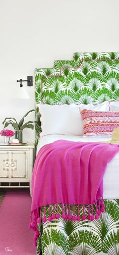 Emerald green mixed with hot pink! Cool color combo that is fresh and fashion forward!