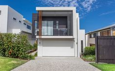 This home by Kalka makes use of Stria in Dulux Klavier. We love the cladding and neutral colour palette to create a fresh, modern look.