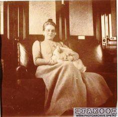 Княгиня Зинаида Николаевна Юсупова в вагоне поезда Москва - Санкт-Петербург.