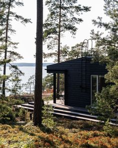 Summer house with a sea view in Porvoo, Finland. Architect Jobs, Mansion Bedroom, Rustic Basement, Log Cabin Homes, Farmhouse Plans, Cabins In The Woods, Architecture, Land Scape, Cottage
