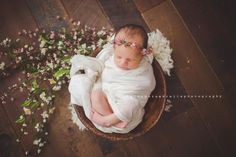 A gorgeous whimsical floral crown made with real dried gypsophillia, natural dried moss and small flowersTies with cream chiffon silkSuitable for newborn to young babyImages by,Polka Dot Umbrella PhotographyJillian Greenhill Photography
