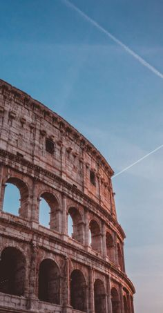 Colosseum Tours - Which one is the Best? Colosseum Tours - Which City Aesthetic, Travel Aesthetic, Aesthetic Grunge, Aesthetic Vintage, Aesthetic Anime, Aesthetic Pastel, Summer Aesthetic, Aesthetic Backgrounds, Aesthetic Wallpapers