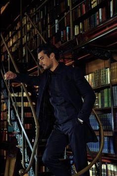The Daily Dornan© @TheDailyDornan  He is and always will be my Professor Gabriel O. Emerson ❤️ Gandy is incredible! @sylvainreynard @ProfGabriel_ #Gandy pic.twitter.com/kyo6JY3745