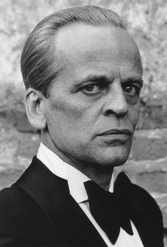 """Klaus Kinski - Actor known especially for his work with director Werner Herzog, starred in """"Nosferatu"""", """"Fitzcarraldo"""", and notably Aguirre Wrath of God. Martin Schoeller, Tv Star, Werner Herzog, Actrices Hollywood, Face Expressions, Interesting Faces, Male Face, Classic Movies, Famous Faces"""