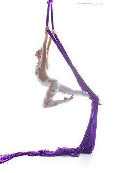 I reaaallllyyyy want to get professional photos taken of me doing the routine! Aerial Arts, Aerial Silks, Body Shapes, Poses, Workout, Photography, Crossfit, Routine, Yoga