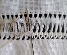 Basic Embroidery Stitches, Hand Embroidery Videos, Hand Embroidery Tutorial, Hardanger Embroidery, Flower Embroidery Designs, Embroidery Techniques, Cross Stitch Embroidery, Embroidery Patterns, Cross Stitches