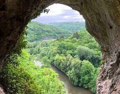 Ben je op vakantie in de omgeving van Dinant in de Ardennen? Ga dan wandelen in Parc de Furfooz, een archeologisch park en een natuurreservaat tegelijk.