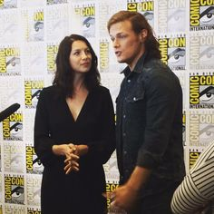 *New* Pics of Caitriona Balfe, Sam Heughan, Ron D. Moore and Diana Gabaldon on Day 3 of SDCC | Outlander Online