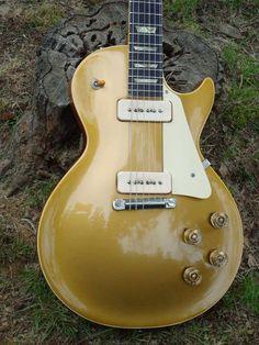Vintage Les Paul with wraparound bridge Guitar Pics, Music Guitar, Guitar Amp, Cool Guitar, Guitar Room, Gibson Les Paul, Gibson Lp, Vintage Electric Guitars, Vintage Guitars