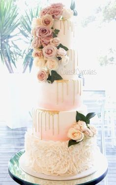 Wedding cake idea; Featured Cake: Cakes 2 Cupcake