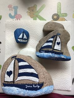 Boat Painting, Pebble Painting, Pebble Art, Stone Painting, Rock Painting Patterns, Rock Painting Ideas Easy, Rock Painting Designs, Stone Crafts, Rock Crafts