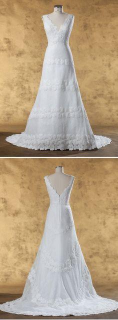 """Isabel de Mestre - New York Kollektion 2017: Brautkleid """"Aladin"""" mit V-Ausschnitt vorne und hinten."""