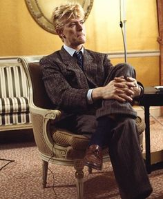 """thisaintnomuddclub: """"""""David Bowie at the Carlyle Hotel in New York, Photo by Gary Gershoff """" """" David Bowie Born, David Bowie Starman, David Jones, The Thin White Duke, Major Tom, Soundtrack To My Life, Ziggy Stardust, Rock And Roll, The Man"""