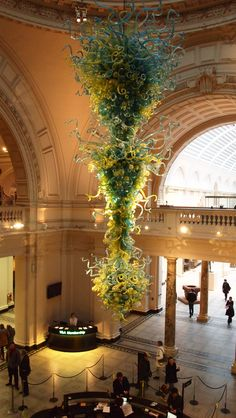 Dale Chihuly chandelier, enormous!  I had the pleasure of attending a seminar in Toronto - he's so amazingly talented!