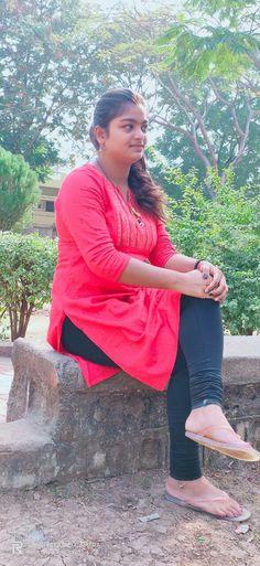 Beautiful Girl Dance, Beautiful Girl In India, Bridal Chuda, Indian Girls Images, Thing 1, Girl Dancing, India Beauty, Girl Photos, Beauty Women