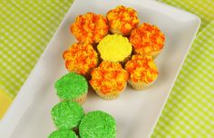 Striped Spring Daisy Cupcakes ~ fun cupcake decorating project perfect for kids and Easter