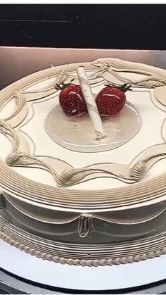 Use cake decoration tools for beautiful cake decoration Cake Decorating Frosting, Creative Cake Decorating, Cake Decorating Designs, Cake Decorating Techniques, Cake Decorating Tutorials, Creative Cakes, Cake Designs, Beautiful Cakes, Amazing Cakes