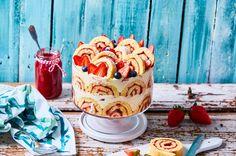 A trifle egy szexi angol édesség, ami nemcsak csodaszép, de megúszós is. És ha most azt gondoljátok, hogy az ilyen recepteket meg kell becsülni, akkor tegyetek is így! :D Fussátok végig a receptet, aztán állítsatok össze egy adagot!