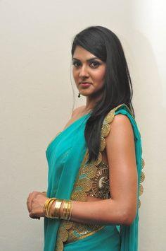 Desi Actress Pictures and Photos, Latest Chiffon Saree, Saree Dress, South Indian Actress Hot, Beautiful Blonde Girl, Bollywood Actress Hot, Beauty Full Girl, India Beauty, Indian Girls, Bellisima