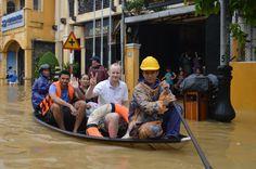 A trip around Hoi An's town http://hoianfoodtour.com/top-7-activities-in-flooding-days/ #hoian #vietnam #flooding