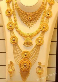 Haram - Page 2 of 9 Latest Indian Jewelry - Jewellery Designs Real Gold Jewelry, Gold Jewellery Design, Indian Jewelry, Indian Gold Necklace, Light Weight Gold Jewellery, Diamond Jewelry, Gold Haram Designs, Bling Bling, Gold Fashion