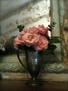 FRENCH COUNTRY COTTAGE: LITTLE PINK BLOOMS & WELCOME TO FEATHERED NEST FRIDAY