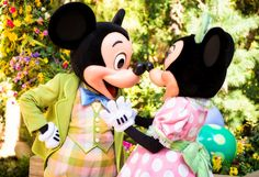 Considering a visit to Disneyland for Easter? This post will provide info and tips for Easter (and spring) in the parks concerning special entertainment, c Disneyland Resort California, Disney California Adventure, Mickey And Minnie Kissing, Mickey Minnie Mouse, Run Disney, Disney Love, Disney Parks, Disney Cruise, Disney Stuff
