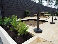 Asuntomessut 2016 Honka Riihi hiekkalaatikko Outdoor Spaces, Outdoor Living, Outdoor Decor, Garden Fencing, Balcony Garden, Play Houses, Garden Projects, Garden Inspiration, Outdoor Gardens
