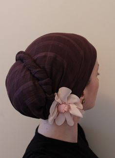 """wrapunzel's"" flower accessory look"