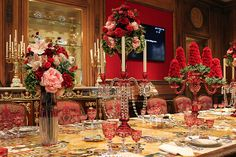 Detail of the stunning holiday table decorations at Hillwood. Noel Christmas, Victorian Christmas, Christmas Themes, Holiday Decor, Holiday Ideas, Xmas, Christmas Tablescapes, Holiday Tables, Old Fashioned Christmas Decorations