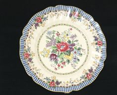 Royal Doulton The Vernon Dinner Plate 10 25 Made in England Collector Old Plates, Plates And Bowls, Square Plates, China Patterns, Royal Doulton, Vernon, Dinner Plates, Kitsch, Trays