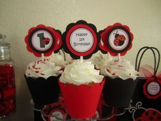 21 Creations L's Birthday / Ladybug birthday - Photo Gallery at Catch My Party 1st Birthday Photos, 1st Birthday Parties, Theme Parties, Ladybug 1st Birthdays, Happy 1st Birthdays, Ladybug Party, Cupcake Party, Childrens Party, Party Time