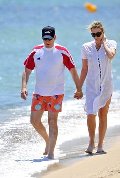 Charlene Wittstock Photos - Prince Albert II of Monaco and girlfriend Charlene Wittstock take a stroll along the nudist beach of Pampelonne. The couple opt to keep their clothes on. - Albert and Charlene cover up Prince Albert, Olympic Swimmers, Monaco Royal Family, Celebs, Celebrities, Russia, Royalty, Cover Up, Pure Products