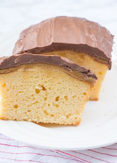 Twix cake (Laura's Bakery) Twix Cake, Snickers Cheesecake, Fudge Cake, Custard Cream Cupcakes, No Cook Desserts, Dessert Recipes, Cake Recept, Sweet Pie, Bakery Recipes