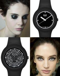 Più aggressivo ma elegante?  Black + glitter. E al polso i modelli black della collezione H2X ONE LADY!