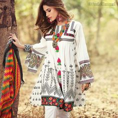 buy online designer dresses for women& in pakistan Pakistani Frocks, Pakistani Outfits, Kurti Designs Party Wear, Kurta Designs, Beautiful Dress Designs, Beautiful Dresses, Stylish Dresses, Casual Dresses, Fashion Dresses