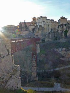 Puente de San Pablo sobre el río Huécar en Cuenca.